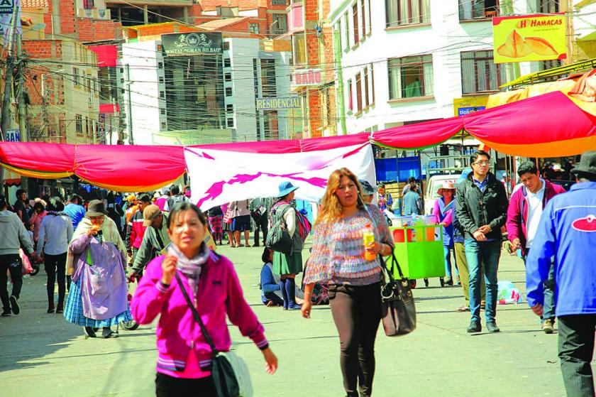 PARO. Este era el panorama ayer, en el mercado Campesino, en el día 12 del paro cívico indefinido que tendrá una...