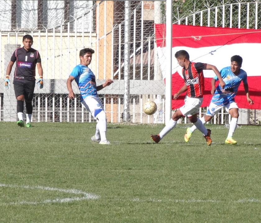 un pasaje del partido entre Fancesa y Nacional Sucre.