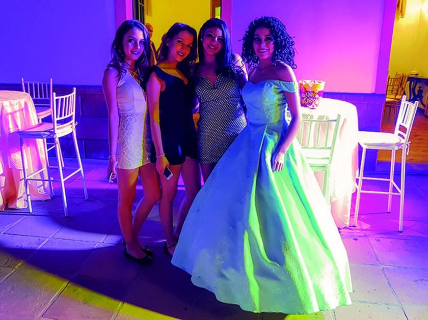 Martina y Victoria Auza Pascual, Fabiana Betancourt y Sofía Álvarez