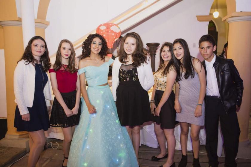 Elisa y Telma Boca, Sofía Álvarez, Gabriela Peñaranda, Amelia Baldiviezo, Caya Rojas y José Vargas.
