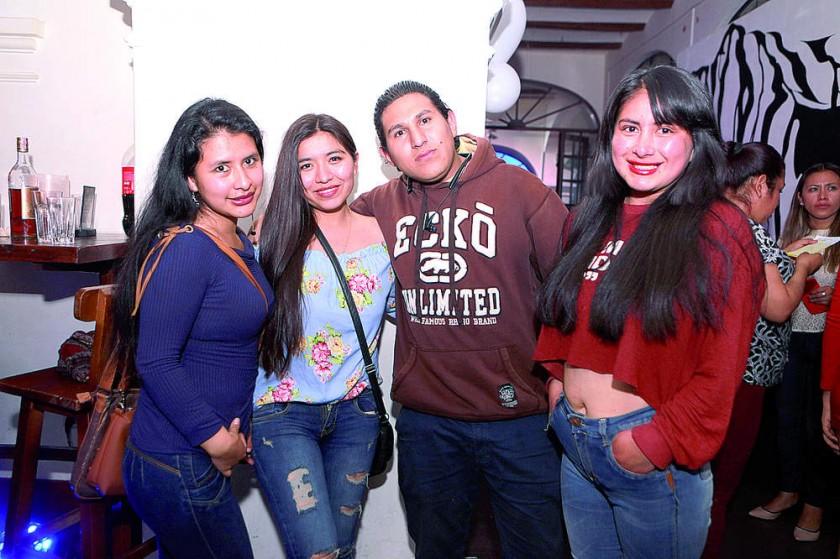 Adriana, Cinthia, Manuel y Tatiana.