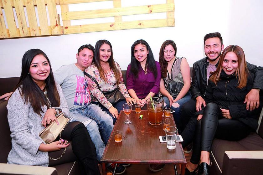 Daniela, Eduardo, Nicole, Noelia, Fabiola Germán y Paola.