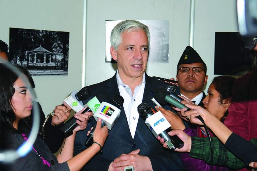 El Vice redobla su reto a la oposición para ir al debate  con argumentos