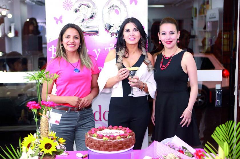 Karen Almaraz, Tatiana Zárate y Mónica Mercado.