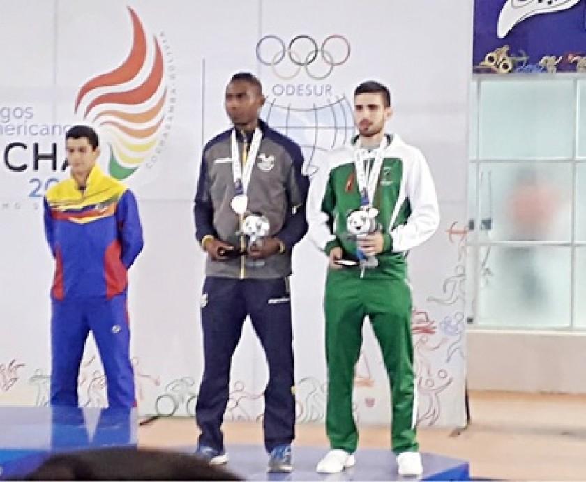 Mohamed Dames se colgó el bronce en karate.