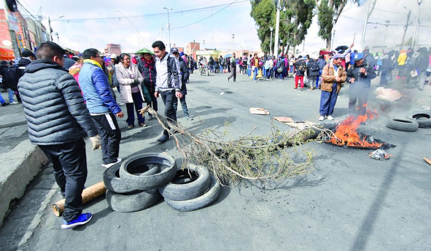 UPEA traza nuevas medidas  y Policía deja solo a agente