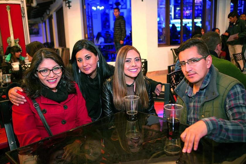 Mónica Bustillos, Milca Gutiérrez, Sofía Higueras y Alfredo Pérez.