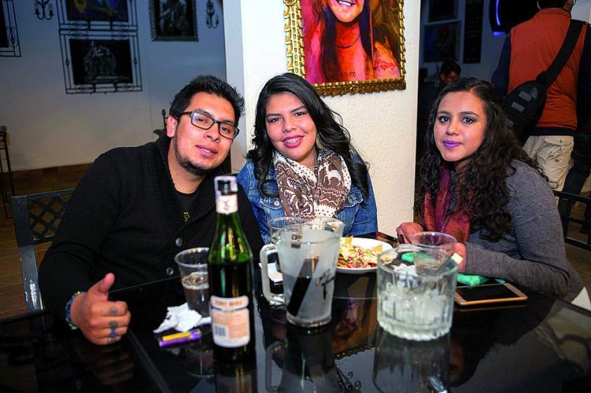 Francisco Aguirre, Andrea Pérez y Paola Trigo.