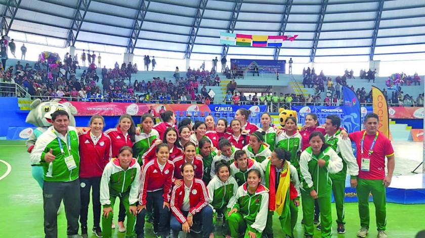 la selección femenina de futsal que ganó el bronce.