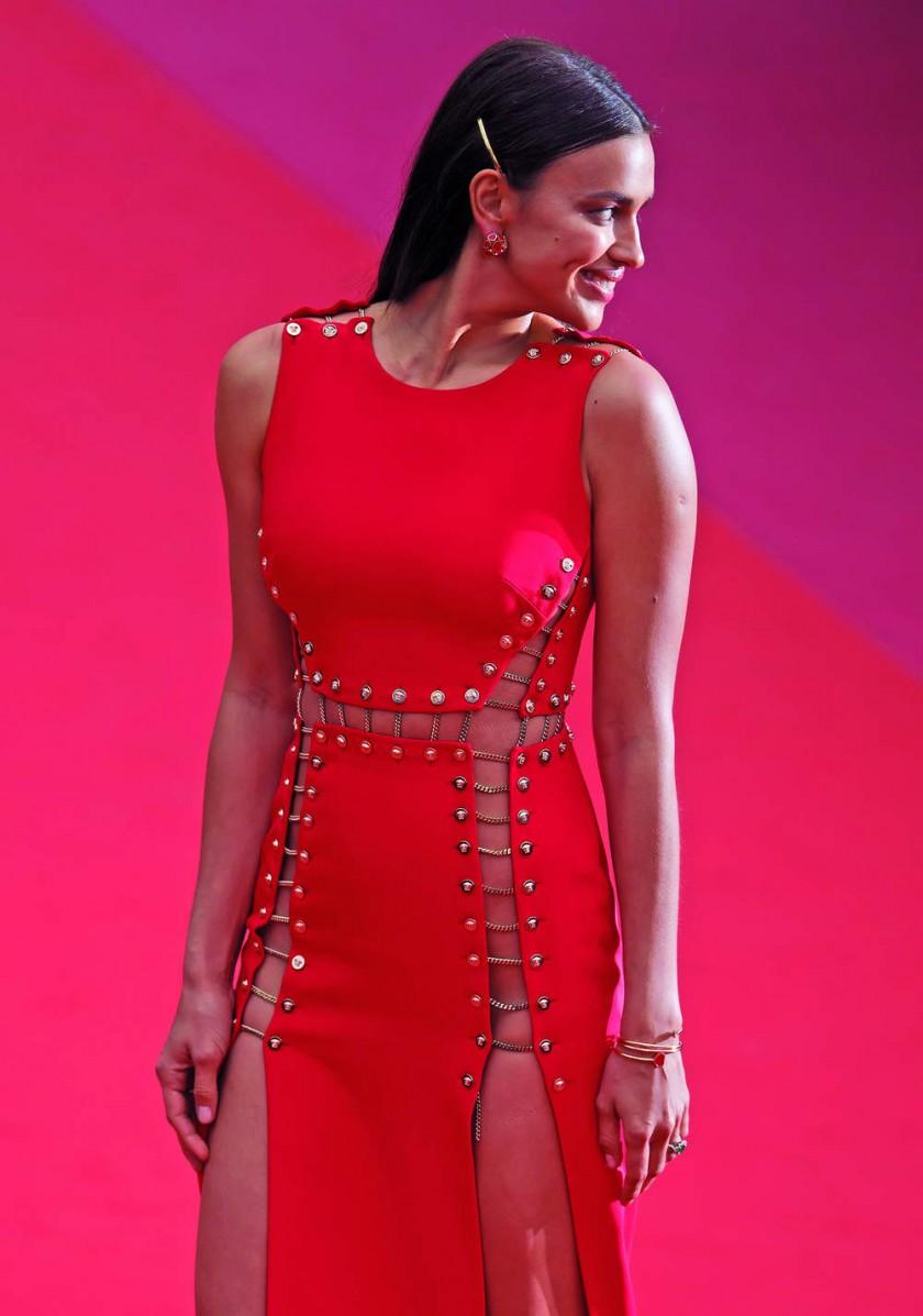 """Irina Shaik llega para la proyección de """"Sorry Angel"""" en Cannes, Francia. EPA/Iian Langsdon"""