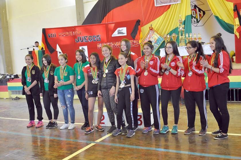 La premiación se cumplió el sábado en el coliseo del colegio sucrense.