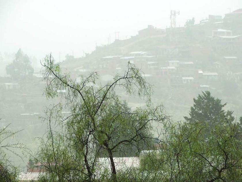 CLIMA. El municipio de Culpina fue azotado por fuertes vientos que provocaron el derrumbe de postes.
