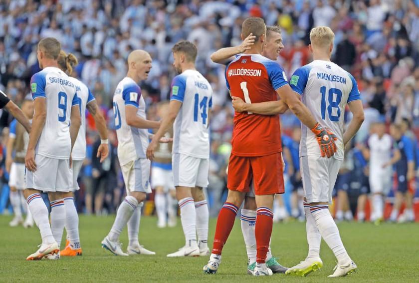 El empate fue festejado como un triunfo por los islandeses.