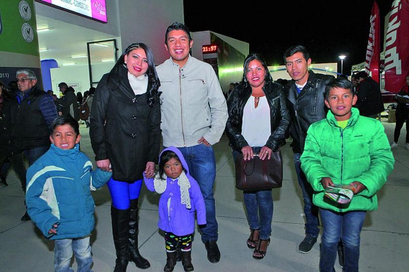 Familias Soliz Céspedes y Mamani Arispe.
