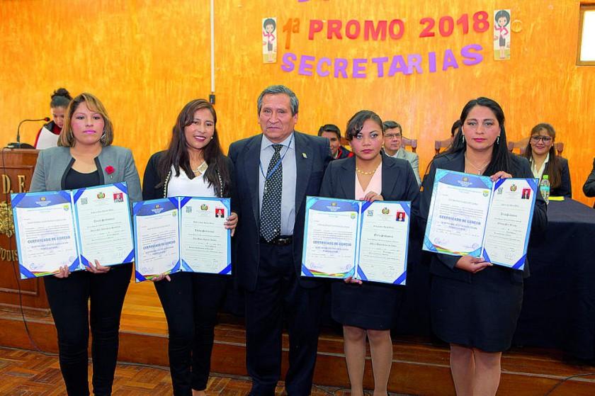 Maritzabel Almendras, Albi Aguilar, Gualberto Paniagua, Shirley Coronado y Edilburga Pérez.