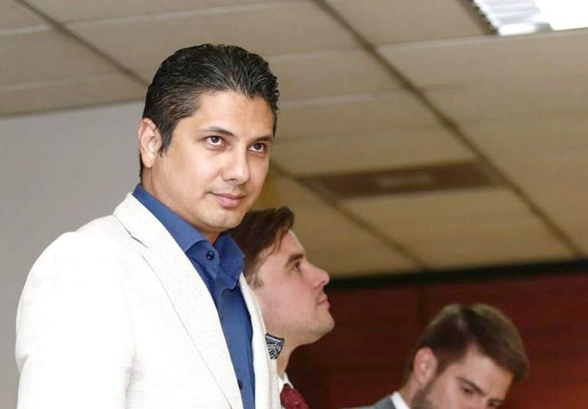 PROCESO. El ex asambleista ecuatoriano Fernando Balda (i), denunciante de Rafael Correa