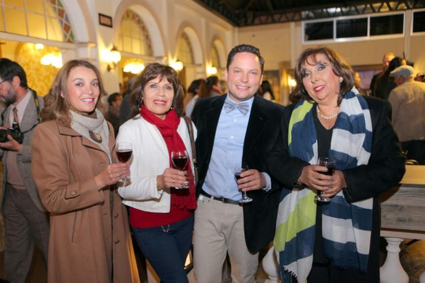 Ceci Paravicini, Virginia Cuadro, Federico Guardia y Marianela Valda.