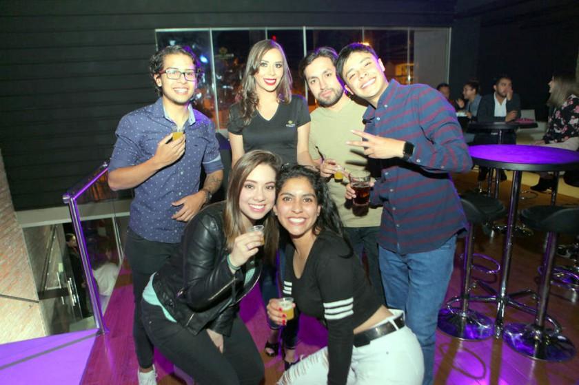 César, Jéssica, Daniel, Guillermo, Fernanda y Valentina.