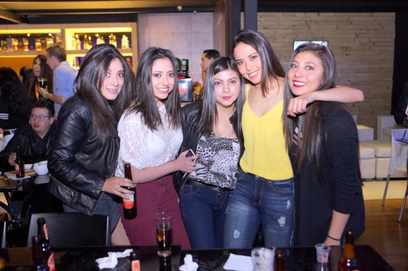 Adriana Talavera, Alejandra Gutiérrez, Silvana Siles, Natalia Espinoza y Fabi Flores.
