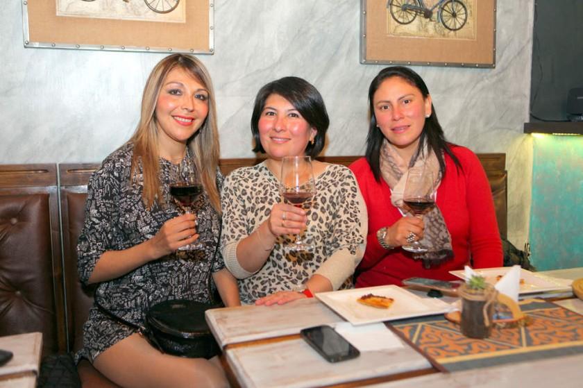 Gimena Espada, Raquel Carrasco  y Laura Serrano.