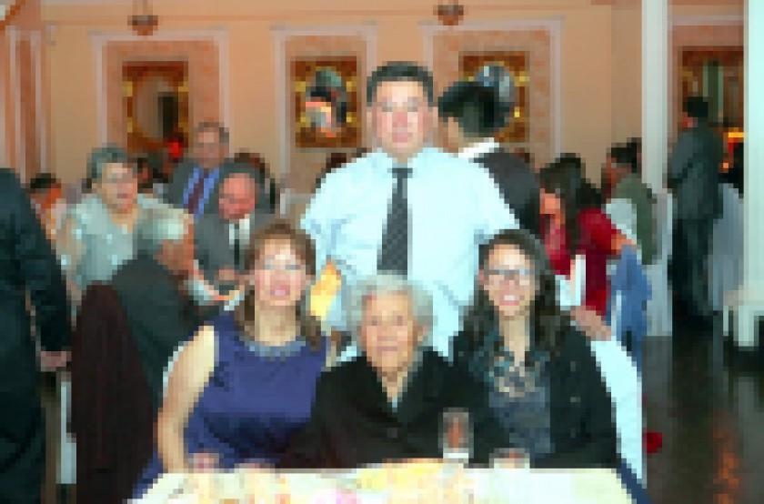Familia Araya – Nogales.
