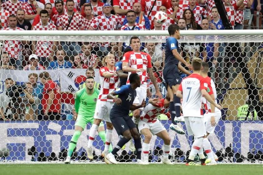 Una escena del partido entre Francia y Croacia. EFE