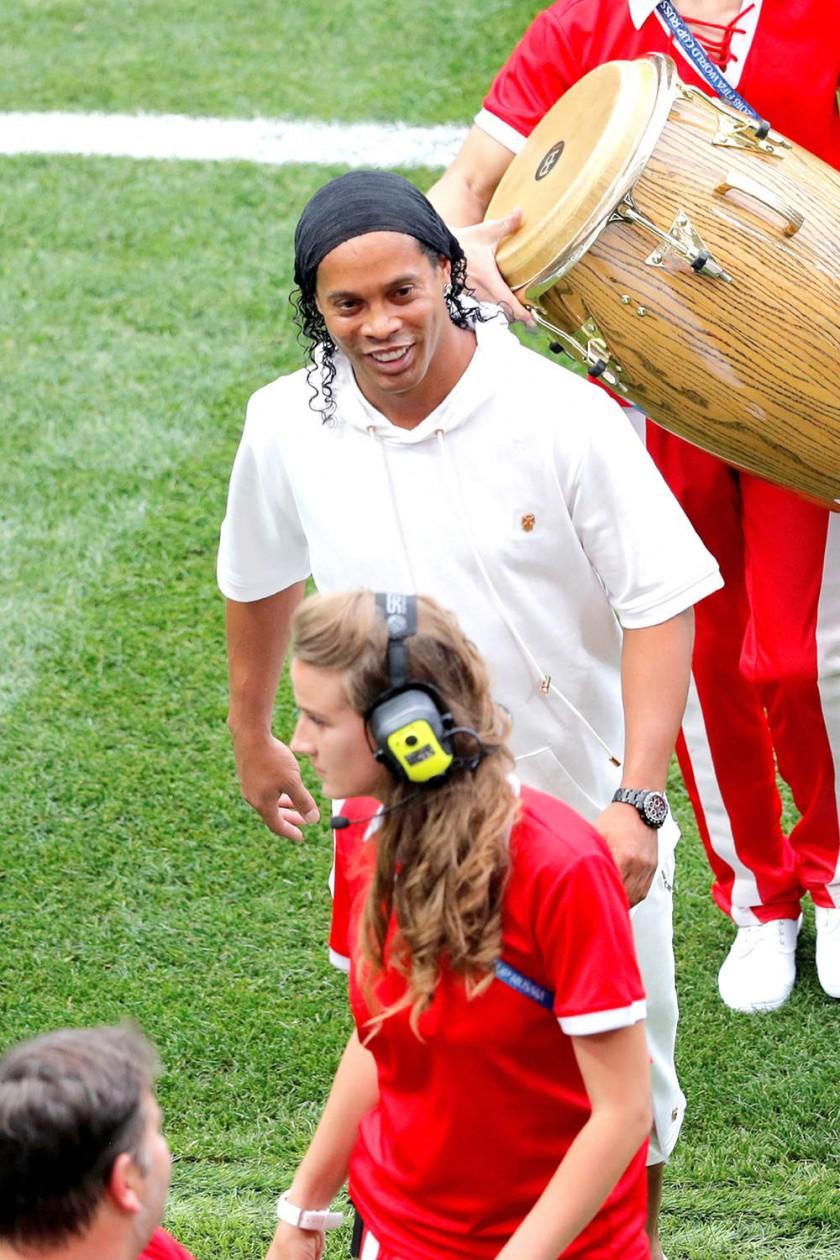Ronaldinho se robó el show