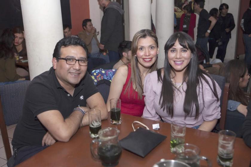 Osmar, Carmen y Liz.