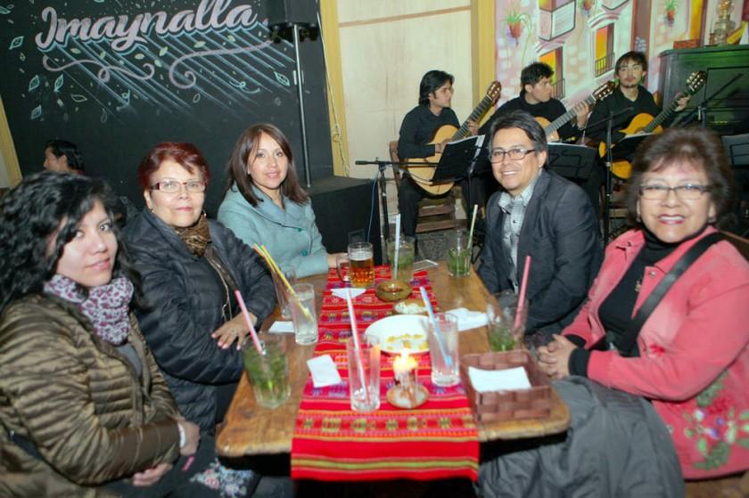 Mariana Bedoya, Margarita Barrero, Mariela López, Ibar Mejía y Susana Barrero.