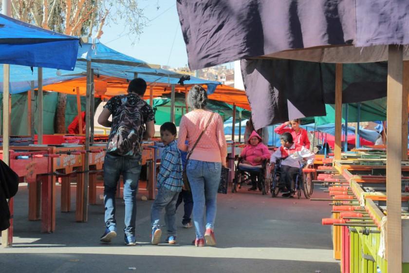 La Feria de la Alasita también sirve para distraerse, probar fortuna y pasar momentos inolvidables. José Luis Rodríguez