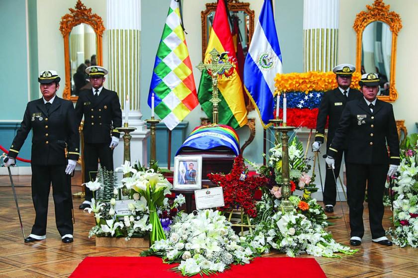CANCILLERÍA. El homenaje póstumo rendido ayer a la diplomática salvadoreña.