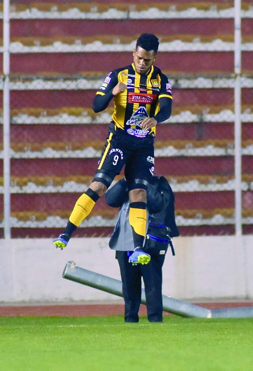 El Tigre golea a Wilster campeón y Bolívar cae en cancha de San José