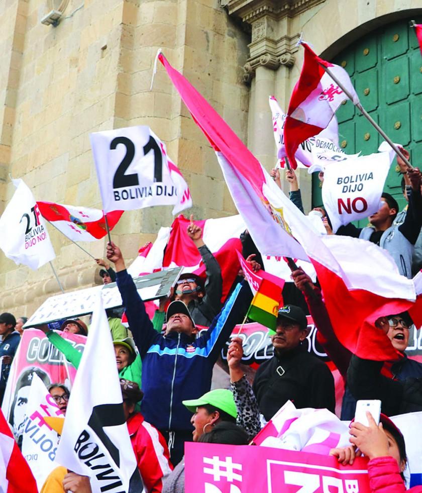 Marcha cívica en Potosí contra la reelección de Evo abre mes patrio