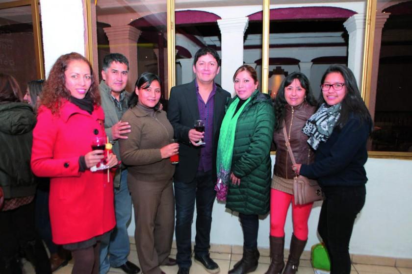 Maribel Salinas, Manuel Portanda, Marco Prado, Maritza Layme, Evelin Sandy, Litzi Córdova y Mikaela Portanda
