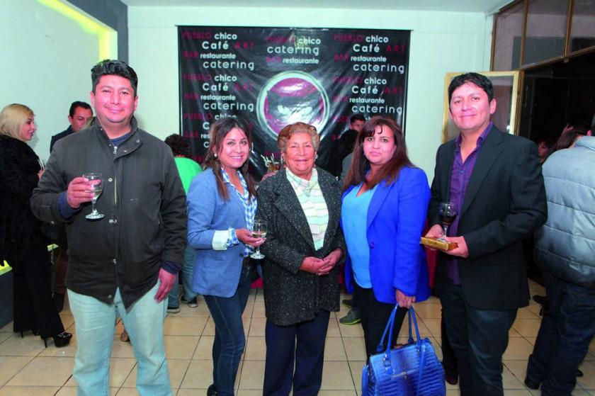 Gustavo Prado, Roxana Morales, María Luisa de Prado, Norma Olmos y Marco Prado.