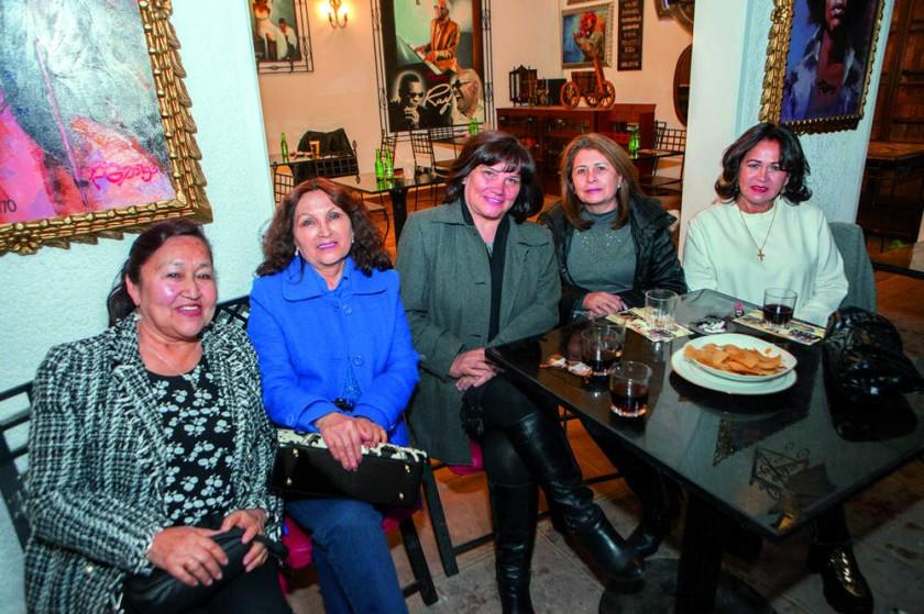 Ruth Pérez, Luzmila Churruarrín, Tania Álvarez, Susy Rojas y Silvia Canedo.