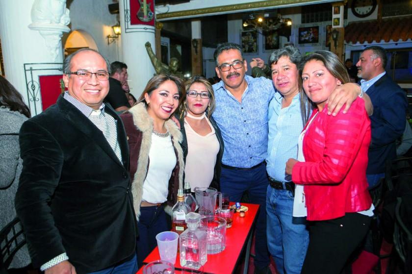 Gregorio Valverde, Cintya Calvety, Sara Mollo, Marcelo Cornejo, Jaime Díaz, Angélica Ortiz.