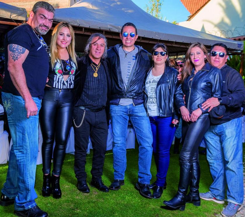 Rafael y Carol Rodríguez, el anfitrión Orlando Careaga, Rafael y Lily Prudencio, Brenda y Roberto García