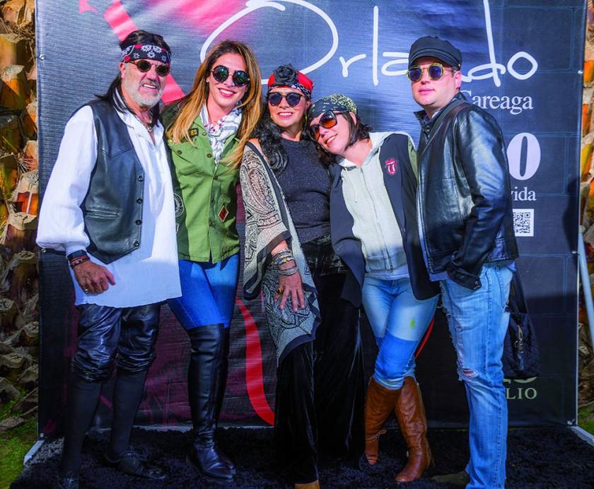 Edgar y Elena Rück,  Male y Luis Porcel, Juan Carlos y Elena Sabat, Sandra y Luis Rodríguez, Ivonne y José Ponce.?