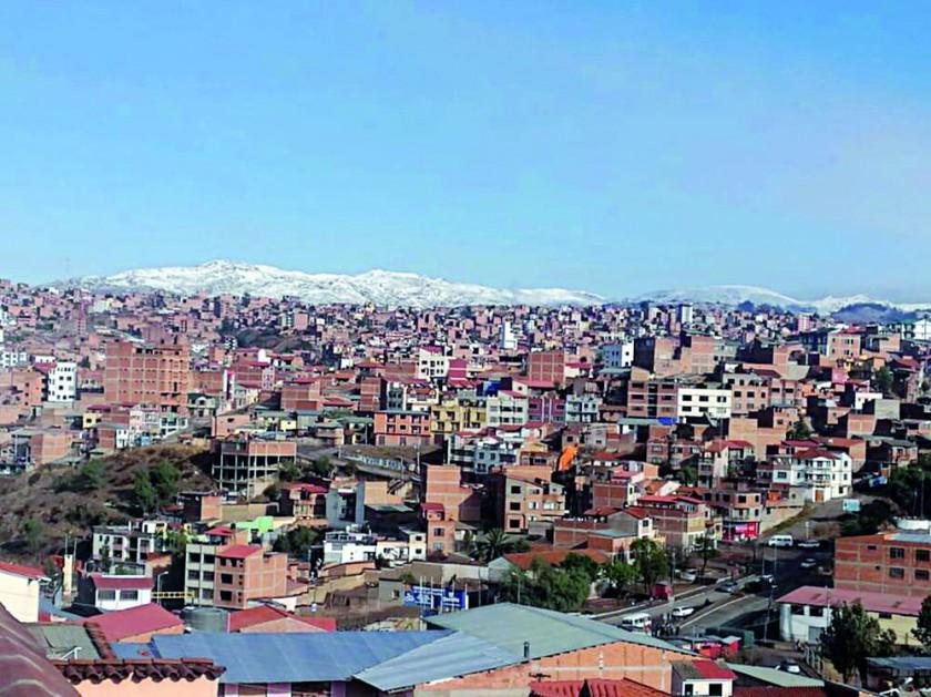 SORPRENDE. Nieve en los alrededores de Sucre y en Tarabuco.