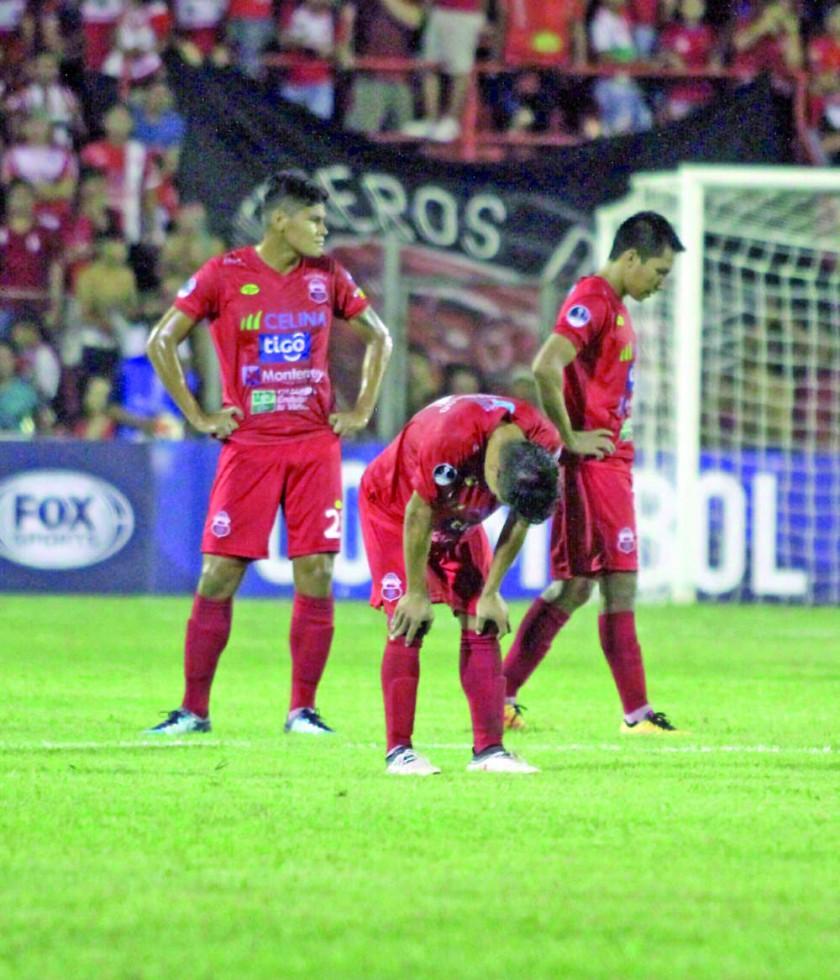 La Copa Sudamericana tampoco le sonrió a los equipos bolivianos.