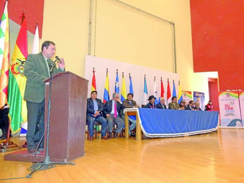 La posesión del Comité Organizador de los Juegos Bolivarianos de la Juventud se efectuó ayer en el auditorio de la...