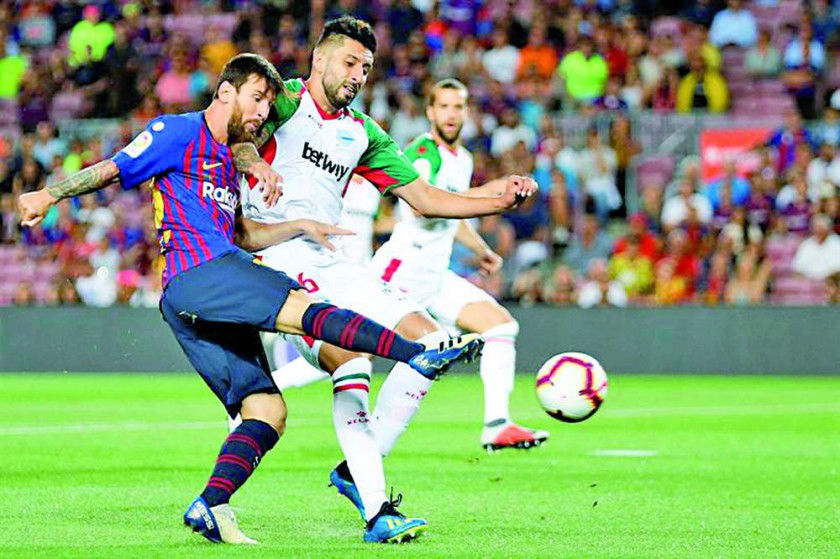 El argentino Lionel Messi debutó con un doblete.
