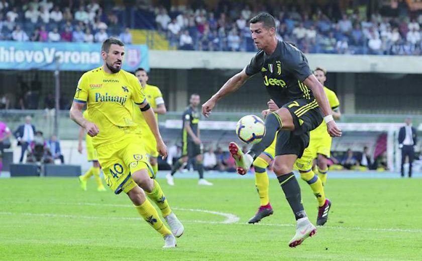 Cristiano Ronaldo jugó su primer partido con la Juve.