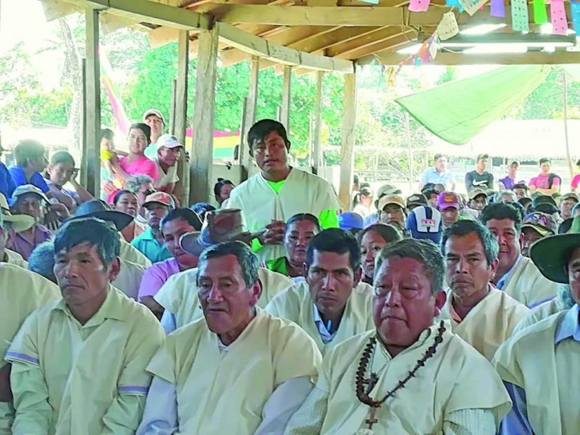 TESTIMONIOS. Comisión escuchó a indígenas.
