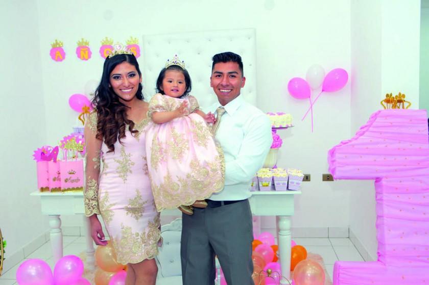 Rocío Cruz, Angely Villarpando Cruz y Marvin Villarpando.