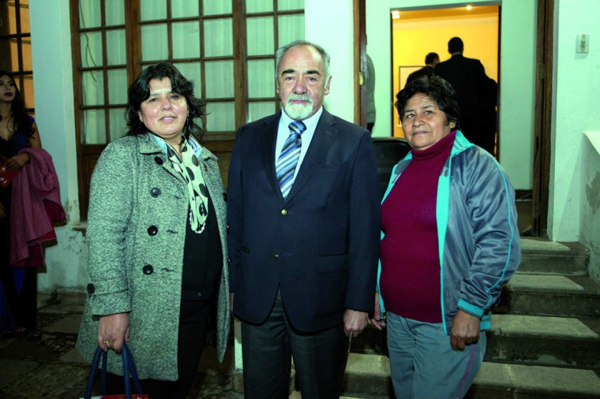 Mónica Mena, Arturo Montes y María Ester Calvimontes.