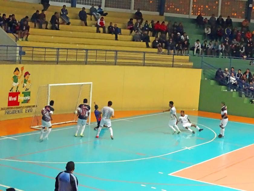 La selección chuquisaqueña logró su segundo triunfo en el Campeonato Nacional de Fútbol de Salón Sub 20, en el coliseo J
