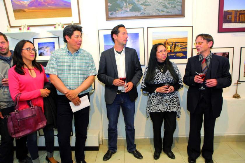 Marilyn Azurduy, Sergio Huaylla,  Jonathan, Elvy y Fredy Hofmann.