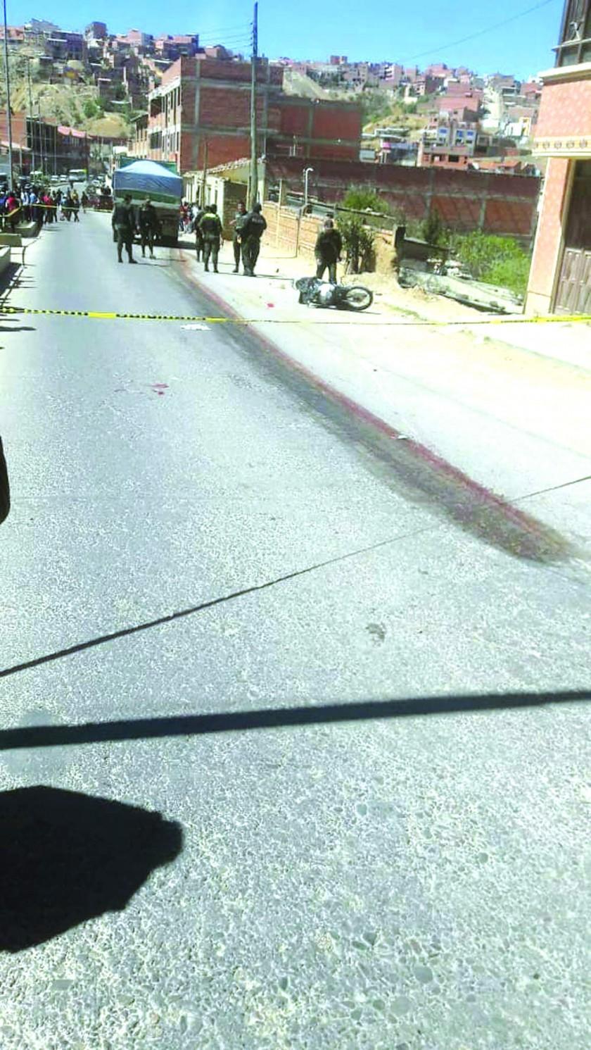 TRAGEDIA. El accidente ocurrió en la zona de Villa Armonía en proximidades del surtidor Trébol.